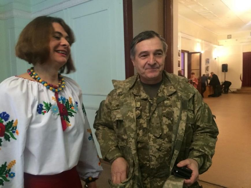 Военнослужащих в секторе «М» поздравили волонтеры и оркестр Национальной гвардии (ФОТО), фото-3