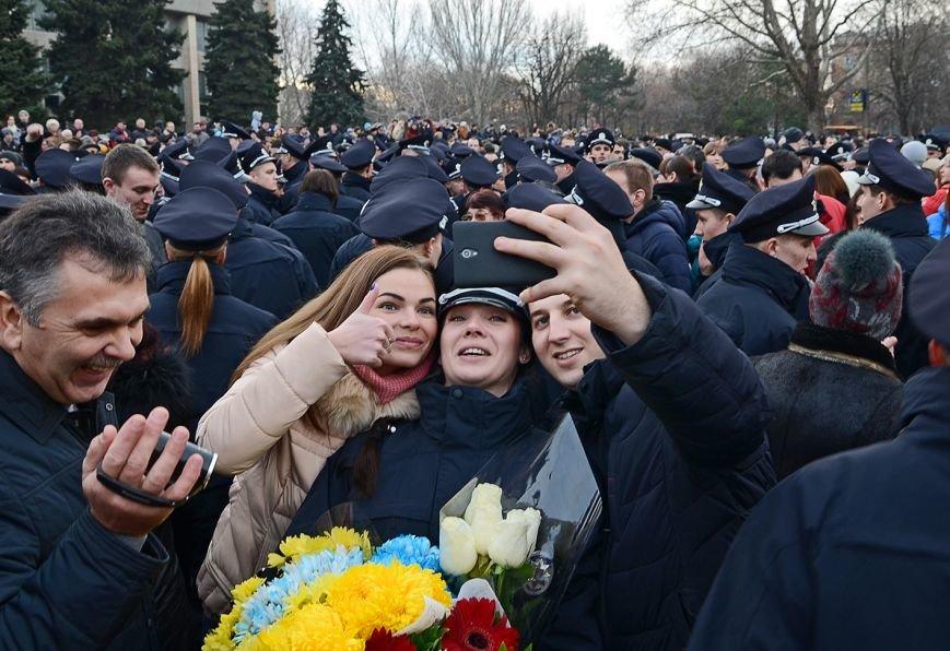 Николаевские полицейские приняли присягу под звуки гимна и возгласы «Слава Украине!» (ФОТО+ВИДЕО), фото-19