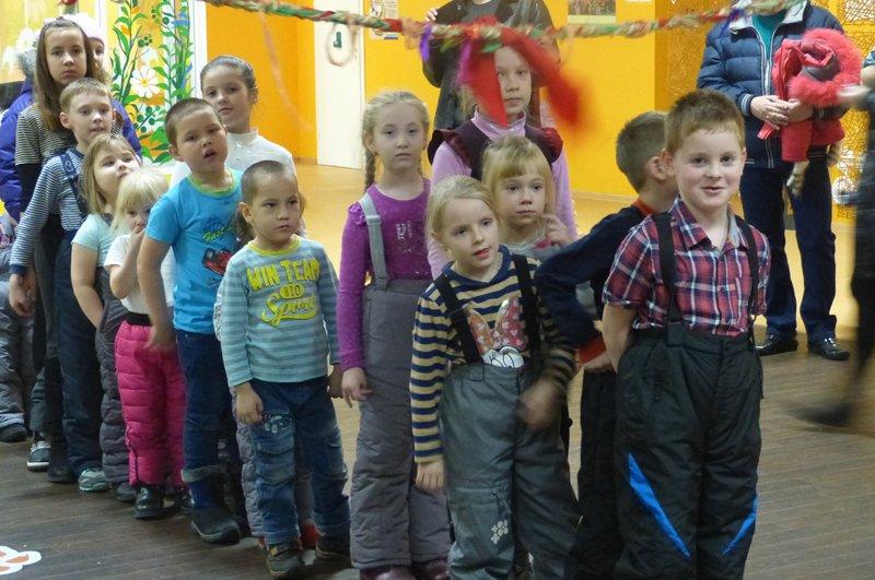 Сыктывкарские детишки  отправили письма Деду Морозу (фото) - фото 4