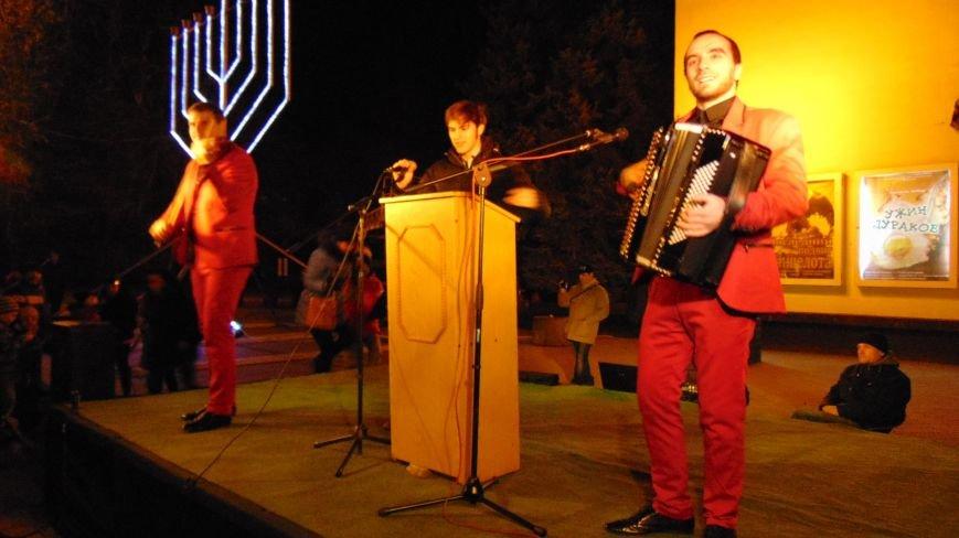 Еврейская община Мариуполя отметила праздник Хануки (фото) - фото 1
