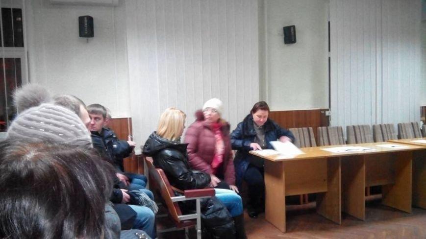 Членам райизбиркомов в Кривом Роге пришлось принимать присягу и заполнять документы на улице (ФОТО), фото-7
