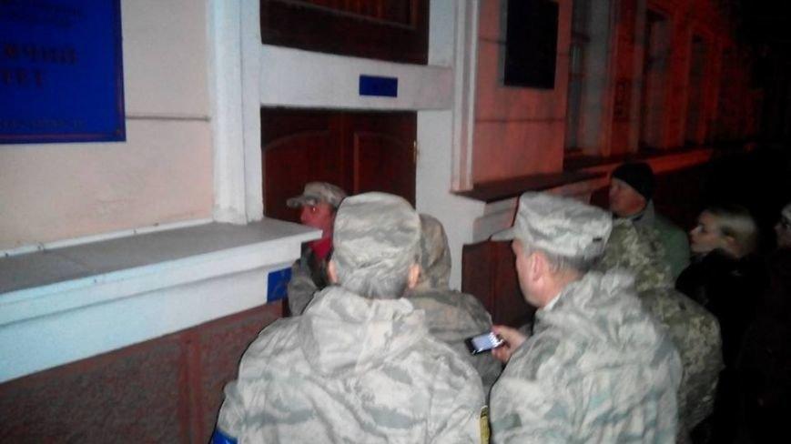 Членам райизбиркомов в Кривом Роге пришлось принимать присягу и заполнять документы на улице (ФОТО), фото-5