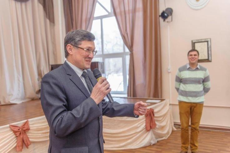 На градообразующем предприятии Полевского выбрали лучших молодых рабочих (фото) - фото 1
