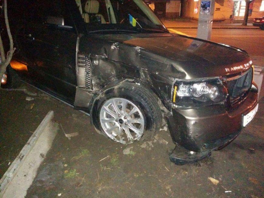 93c4b6bb66c41a3ff73243c42ed34e2b Авария на миллион: В Одессе Prado столкнулась с Range Rover