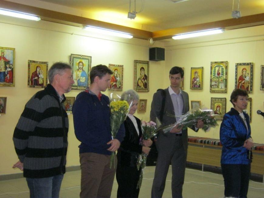 В Чернигове открылась выставка вышитых икон, фото-7