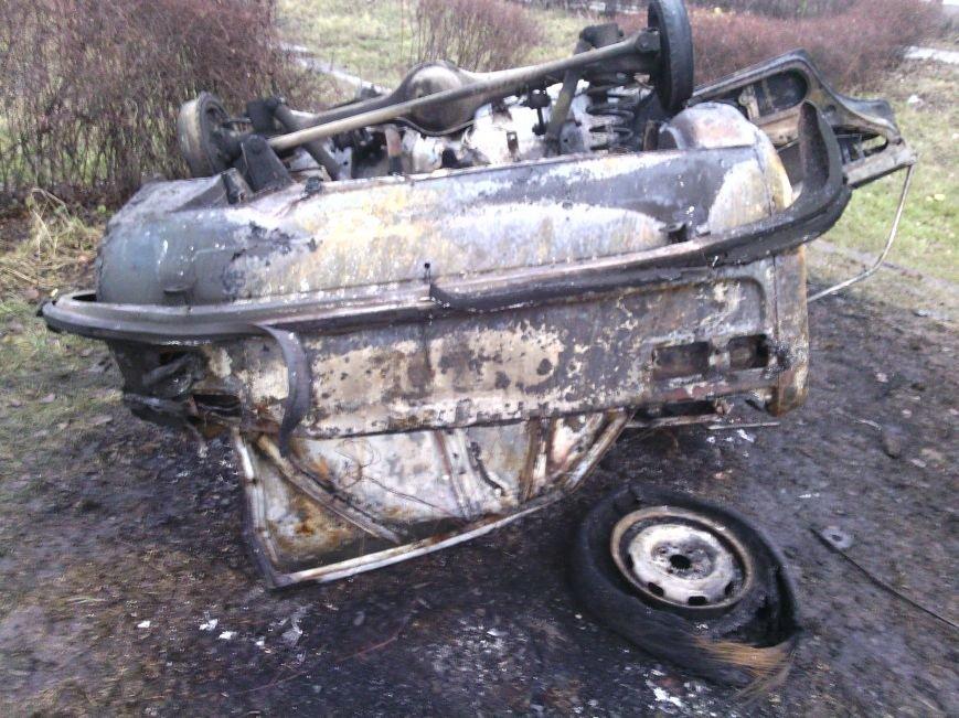 В Днепродзержинске на выходных горели автомобили и дома, фото-1