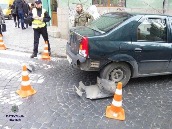 У Львові знову сталася аварія за участі трамвая та автомобіля (фото) - фото 1