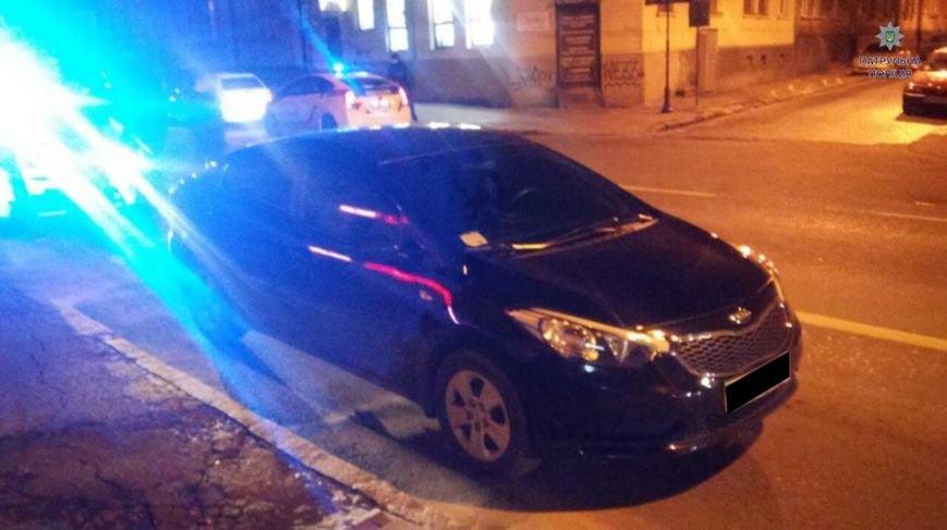 У Львові нетверезий священник на автомобілі погрожував поліцейським, фото-1