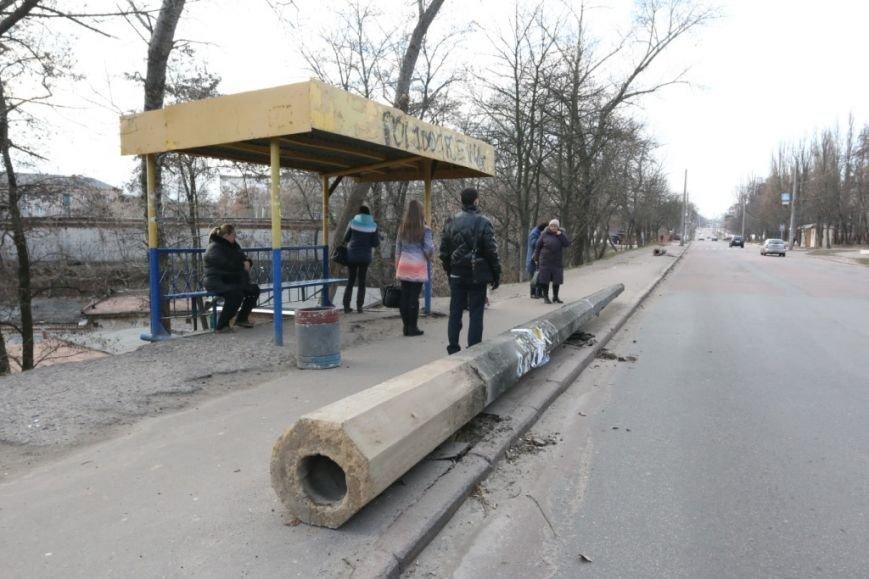 До конца недели в Чернигове закончат демонтаж опор для новой троллейбусной линии, фото-6