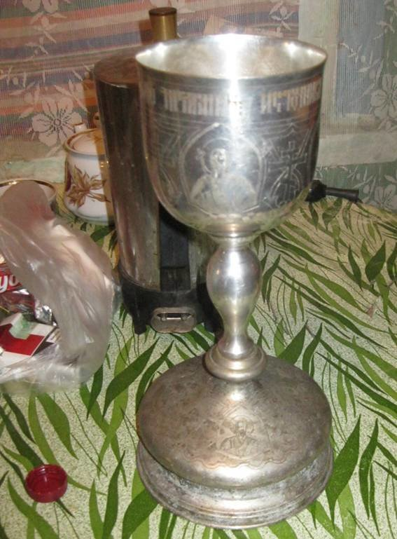 В Киевской области мужчина украл из церкви иконы и вино (ФОТО) (фото) - фото 1