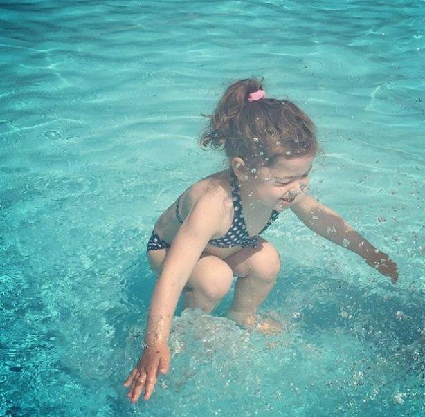 Дівчинка під водою, чи ні? Фото, яке викликає суперечки, фото-1