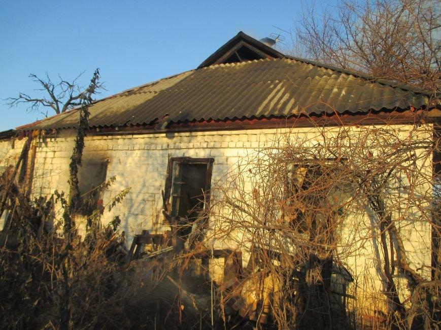 Пожар в Песчаном: вместе с домом сгорела пенсионерка (фото и видео), фото-1