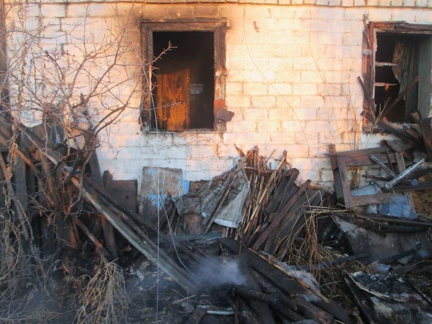 Пожар в Песчаном: вместе с домом сгорела пенсионерка (фото и видео), фото-4