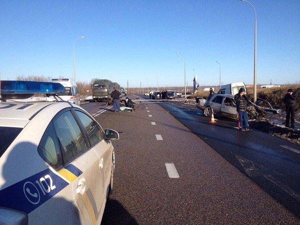Под Харьковом «Mercedes» столкнулся с «Renault»: есть жертвы (ФОТО) (фото) - фото 1