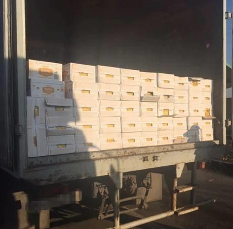 До «ДНР» не доехали три грузовика с товарами на 400 тысяч гривен (ФОТО) (фото) - фото 1