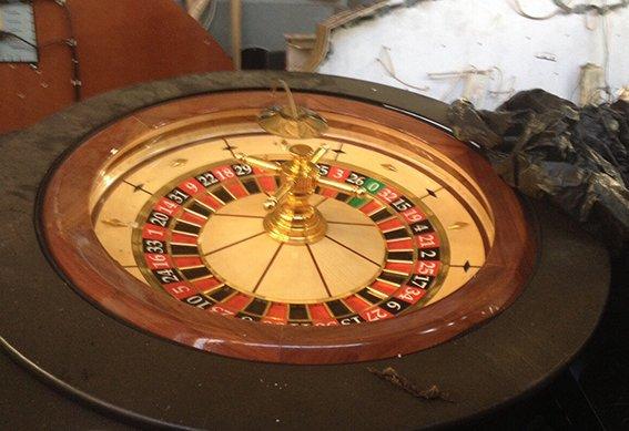В Кривом Роге полиция нашла склад, где «ожидали своего часа» игровые автоматы и рулетки (ФОТО) (фото) - фото 1