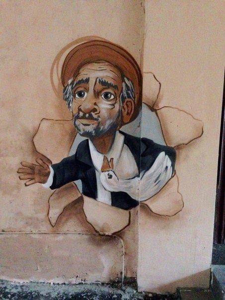 18649f93a559f57f0d828c10fd48cd65 В одесском дворике появилось граффити Паниковского, который уже украл гуся