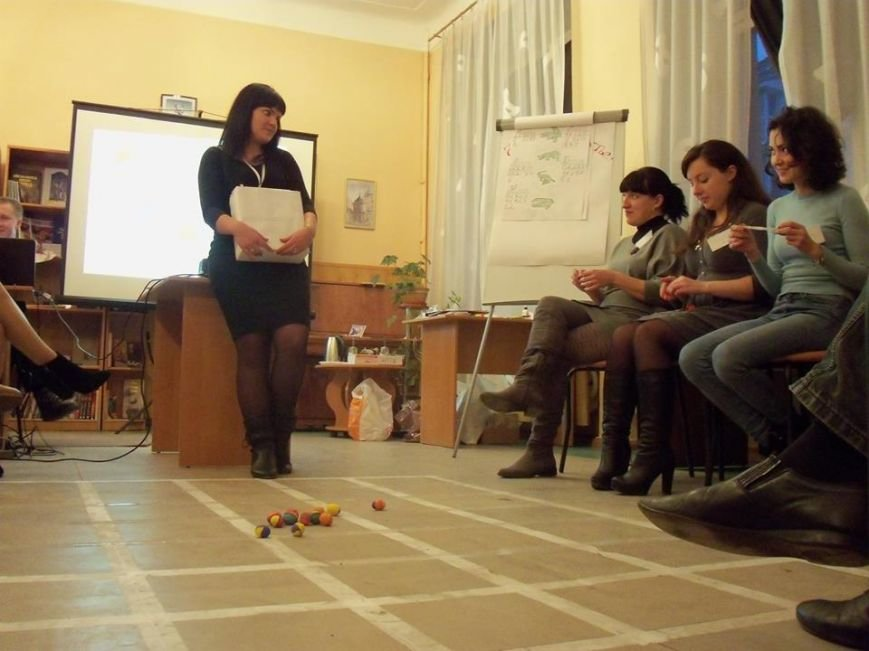 Тренинг в днепродзержинской библиотеке объединил местных жителей и переселенцев, фото-3