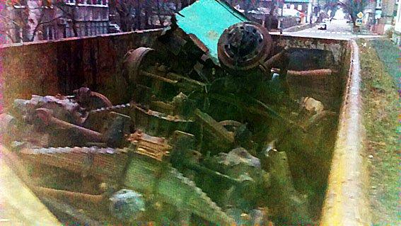 На блокпостах Донецкой области пресечены нелегальные перевозки металла и древесины (фото) - фото 1