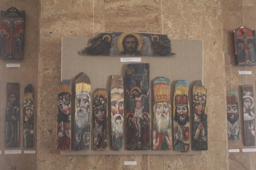 В музее истории Днепродзержинска проходит выставка «Ангелы рисуют», фото-4