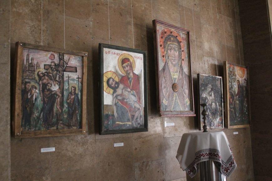 В музее истории Днепродзержинска проходит выставка «Ангелы рисуют», фото-2