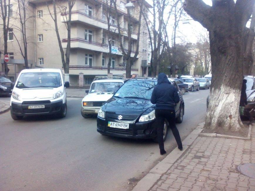 На Франка і прилеглих вулицях ускладнений рух (ФОТО), фото-3