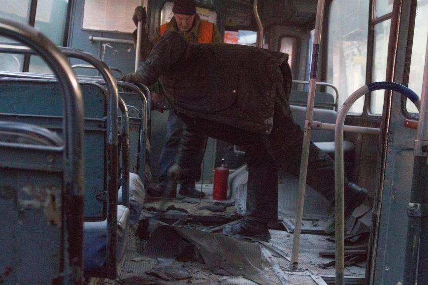 16b724fb6be28a4f199932ae0872aaac В центре Одессы горит троллейбус