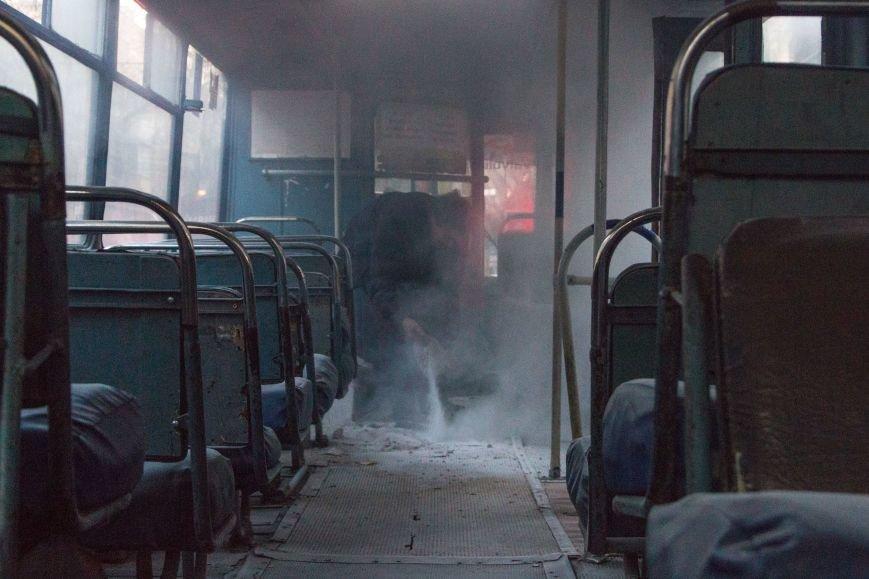 2c73f885f44b3d81c649580eda2c5c5d В центре Одессы горит троллейбус