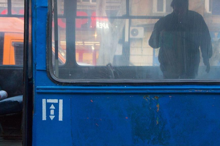888e5197d0b1b0ea3fcd6244c25fa08a В центре Одессы горит троллейбус