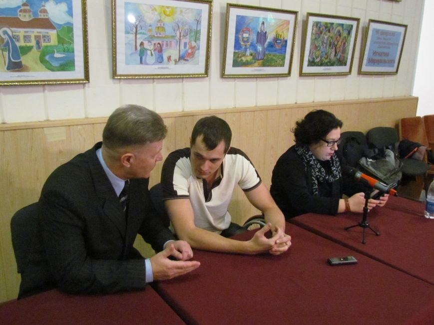 В Мариуполе не смогли создать европейский уровень условий для людей с инвалидностью (ФОТО), фото-3
