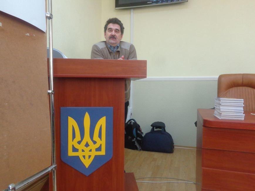 «Є країна маленька, а духом - велика» - в Красноармейске прошла дискуссия, посвященная оценке и прогнозированию судьбы Донбасса (фото) - фото 2