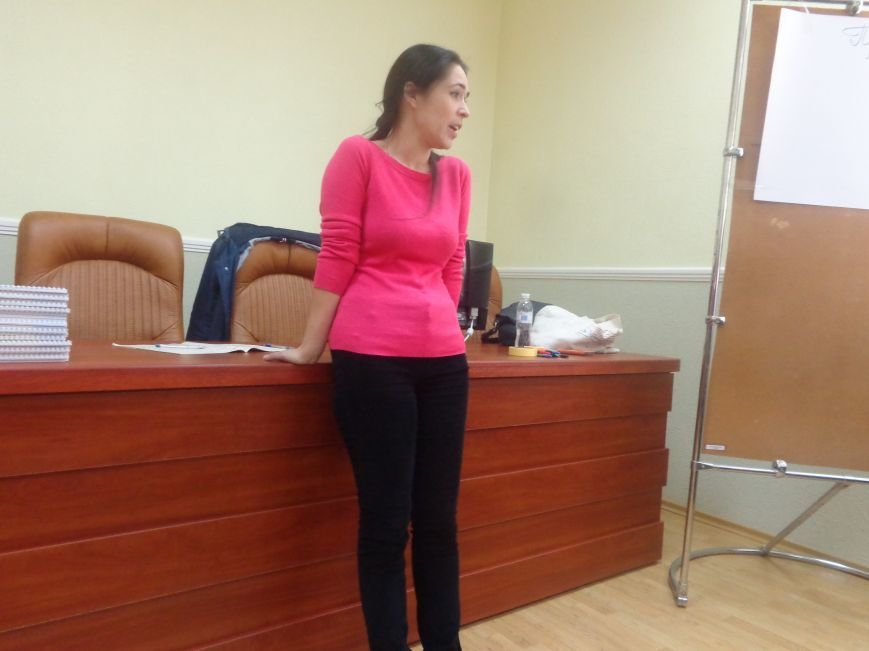 «Є країна маленька, а духом - велика» - в Красноармейске прошла дискуссия, посвященная оценке и прогнозированию судьбы Донбасса (фото) - фото 3
