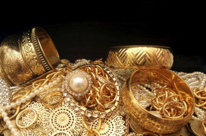 Харьковские пограничники задержали контрабандиста с бриллиантами в ... трусах (ФОТО) (фото) - фото 1