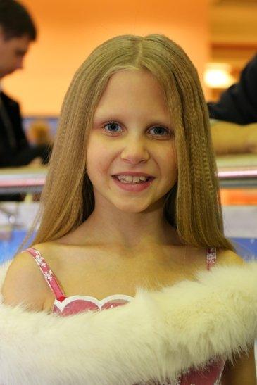 Юные полевчанки уверенно идут к финалу областного конкурса красоты (фото) (фото) - фото 1