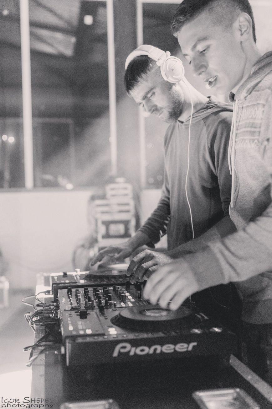 Треки днепродзержинского DJ-проекта Vlad&Vlad вошли в ТОП-15 лучших треков Украины (фото) - фото 3