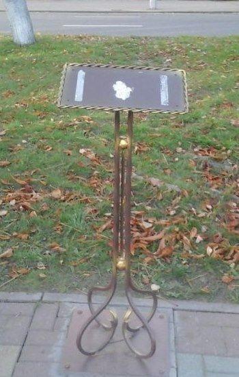 Фотофакт: полоцкой «Скамье дружбы» вернули памятную табличку (фото) - фото 1