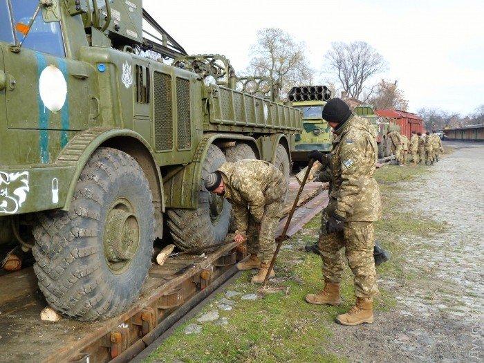 В Одессу прибыли «Грады» и «Ураганы» для укрепления береговой оборон (фото) - фото 1