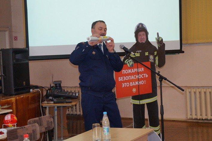 Полевские школы проверили на пожарную безопасность (фото) - фото 1