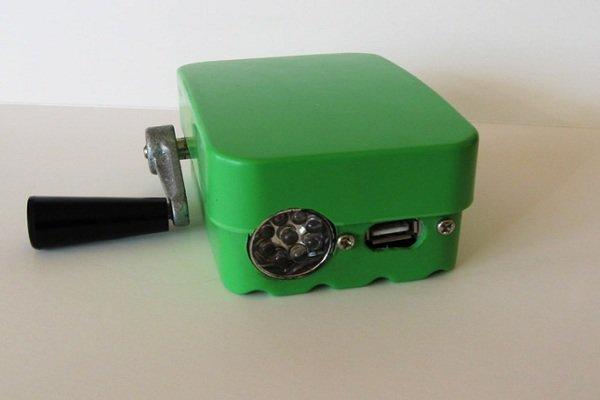 В Гродненском районе школьник создал портативное зарядное устройство (фото) - фото 1