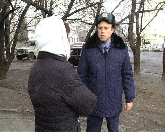 У Полтаві п'яна жінка погрожувала підрвати опрний пункт поліції (фото) - фото 2