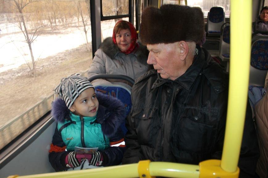 В Белгороде на маршрут вышли автобус и троллейбусы с детскими рисунками о дорожной безопасности, фото-11
