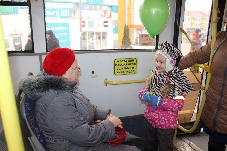 В Белгороде на маршрут вышли автобус и троллейбусы с детскими рисунками о дорожной безопасности, фото-8