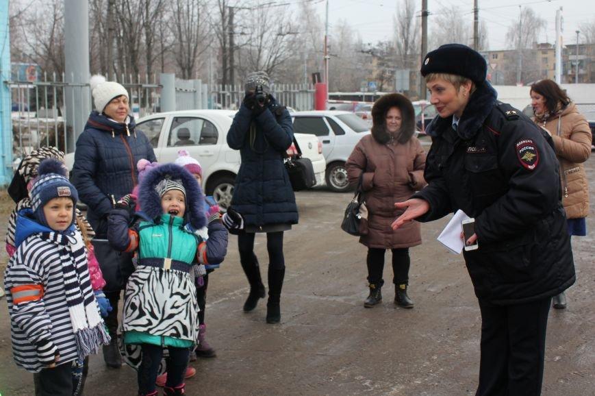 В Белгороде на маршрут вышли автобус и троллейбусы с детскими рисунками о дорожной безопасности, фото-6