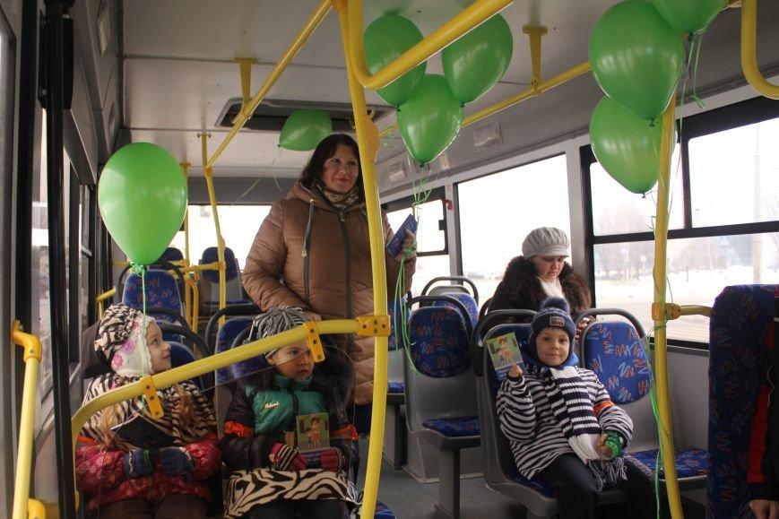 В Белгороде на маршрут вышли автобус и троллейбусы с детскими рисунками о дорожной безопасности, фото-7