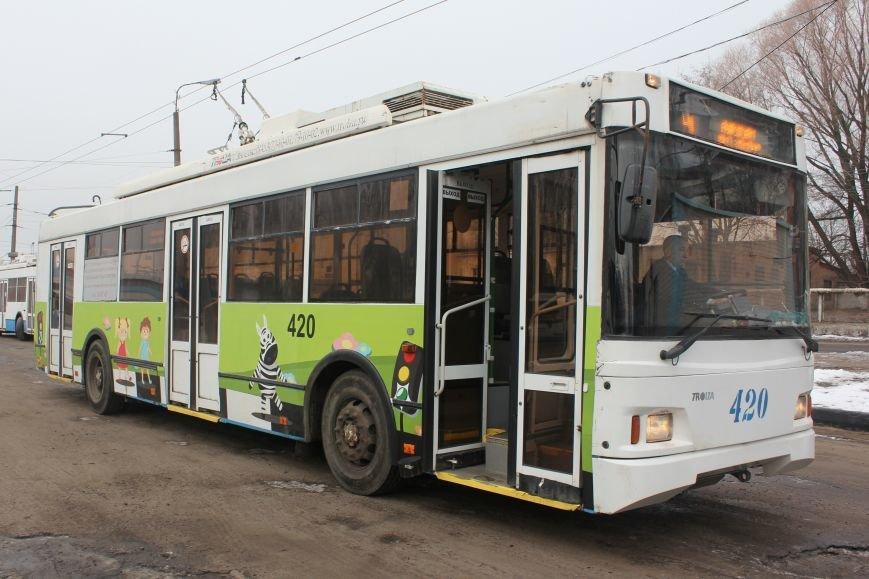 В Белгороде на маршрут вышли автобус и троллейбусы с детскими рисунками о дорожной безопасности, фото-5