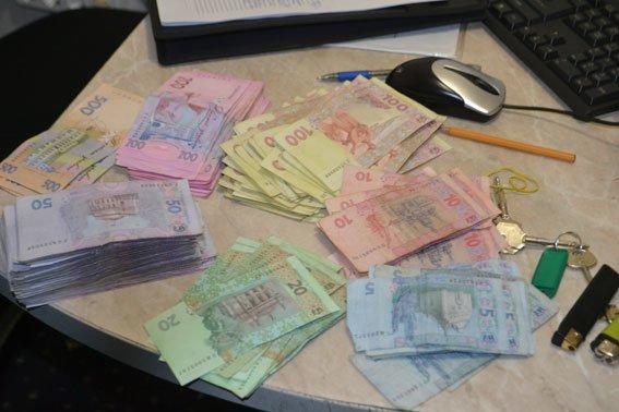 Рівненські кіберполіцейські викрили три заклади гральних автоматів (фото) - фото 1