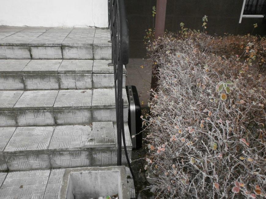 На левобережье Днепродзержинска был обнаружен подозрительный чемодан (фото) - фото 2