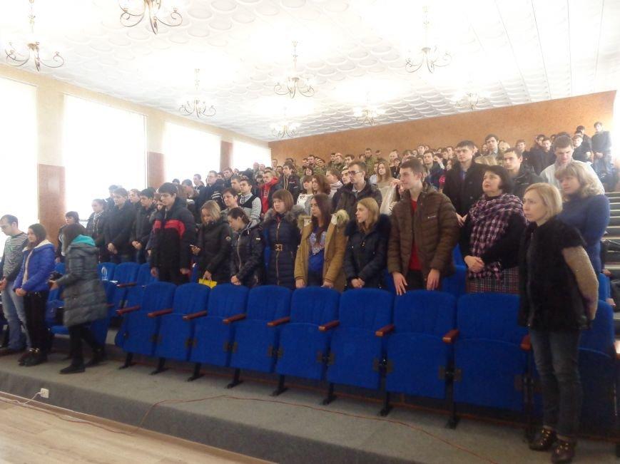 «Козацькому роду нема переводу!» - в Красноармейске выступил украинский коллектив «Вертеп» (фото) - фото 15