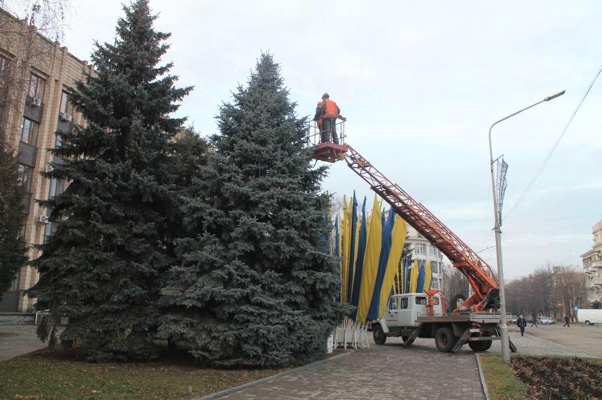 В Артемовске-Бахмуте начали подготовку к Новому Году (ФОТОФАКТ), фото-1