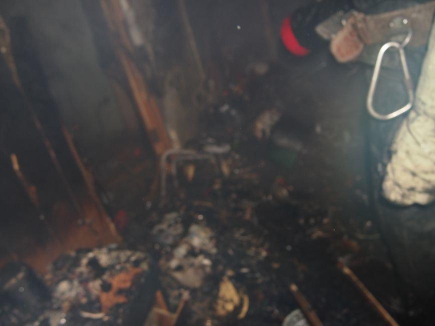 В Днепродзержинске из-за пожара на Комсомольском проспекте пострадал мужчина (фото) - фото 5